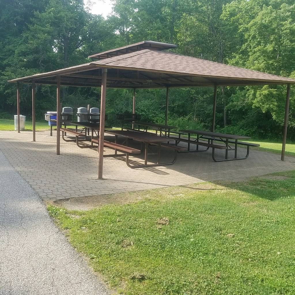 Albion Woods Picnic Area - park  | Photo 2 of 7 | Address: Albion Woods Dr, Strongsville, OH 44136, USA | Phone: (216) 635-3304