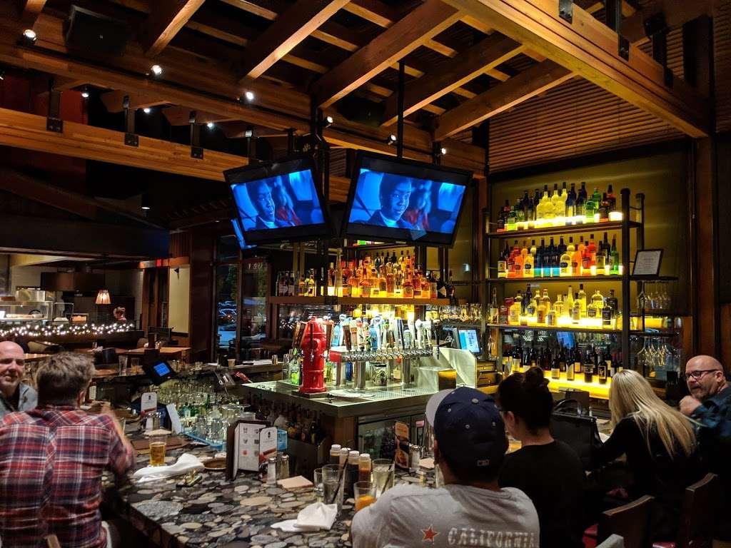 Lazy Dog Restaurant Amp Bar 278 Los Cerritos Center