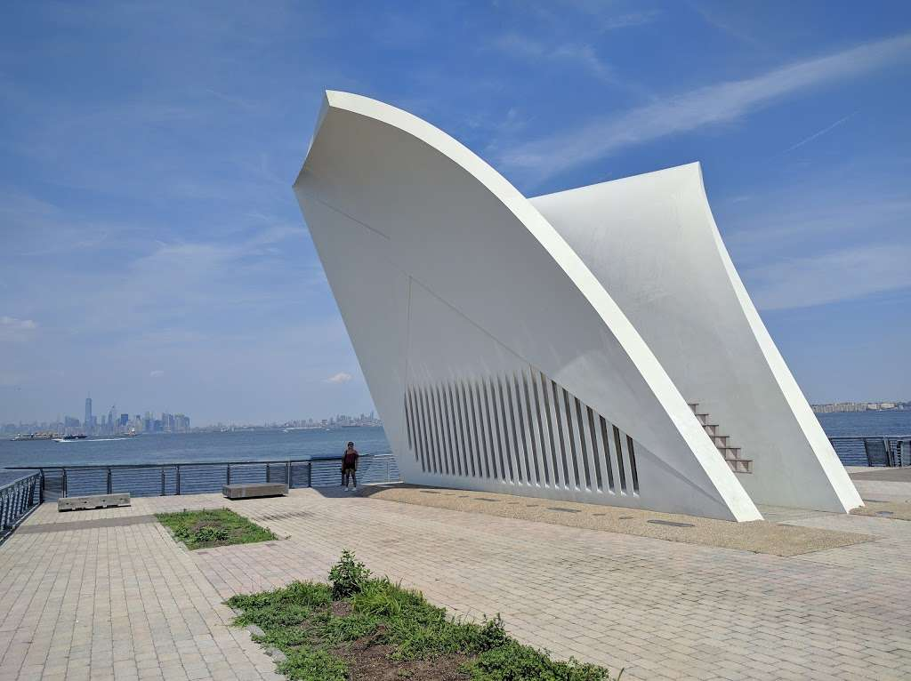 The Staten Island September 11th Memorial - park  | Photo 10 of 10 | Address: Bank Street, Staten Island, NY 10301, USA