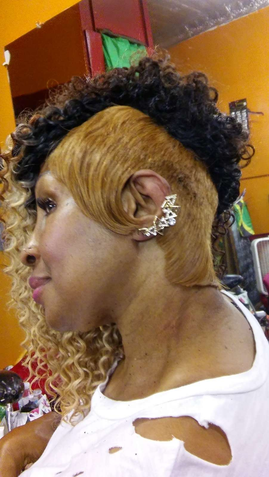 Posh Unisex Beauty Salon - hair care    Photo 6 of 10   Address: Springdale Ave, East Orange, NJ 07017, USA   Phone: (973) 519-1990