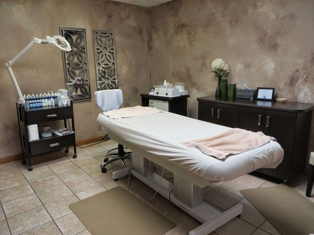 Alison Andrews Day Spa - hair care    Photo 1 of 10   Address: 15613 71st Ct, Orland Park, IL 60462, USA   Phone: (708) 429-2929