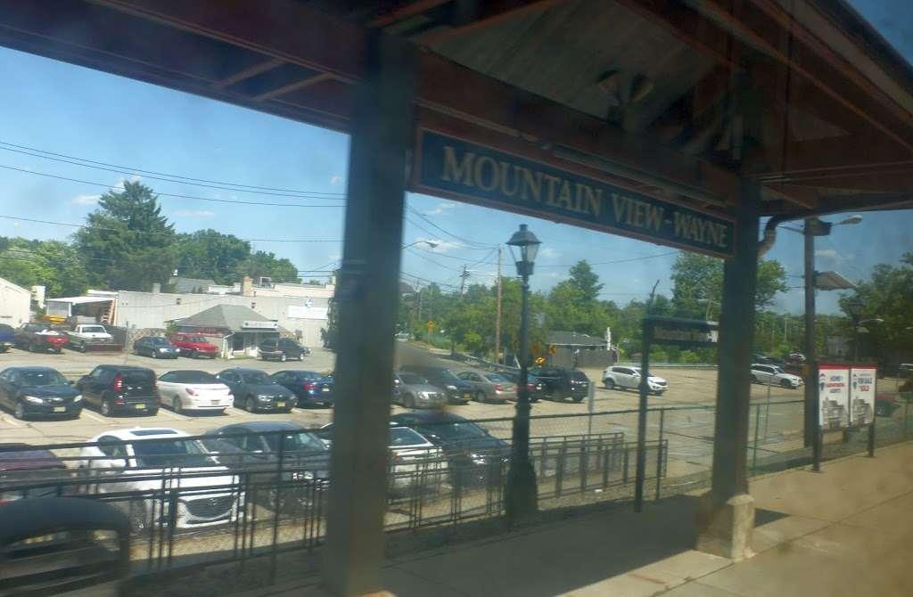 Mountain View-Wayne Station - train station    Photo 6 of 10   Address: 11 Erie Ave, Wayne, NJ 07470, USA