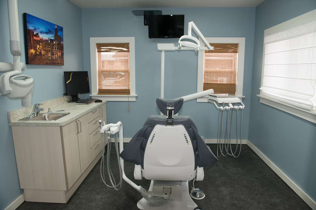 Lakeshore Family Dentistry - Glendale - dentist  | Photo 2 of 10 | Address: 7155 N Port Washington Rd, Glendale, WI 53217, USA | Phone: (414) 352-1600