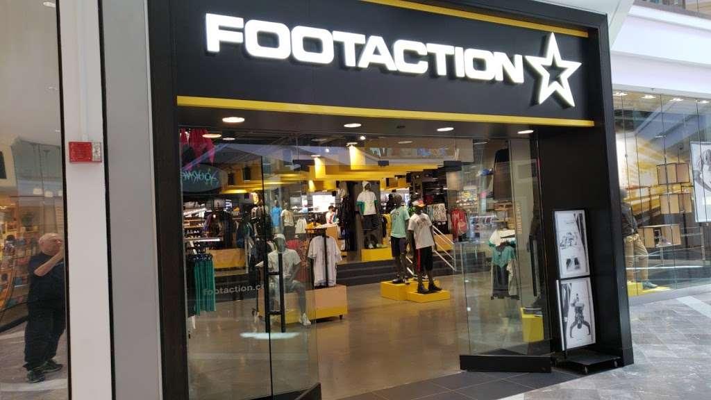 Footaction - shoe store    Photo 2 of 10   Address: 1004 Garden State Plaza Blvd, Paramus, NJ 07652, USA   Phone: (201) 843-3039
