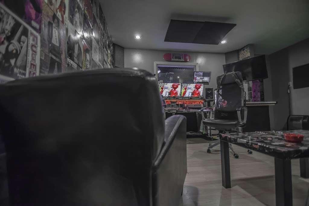 EBAN RECORDING | FILM STUDIOS - electronics store  | Photo 4 of 10 | Address: 934 W Patapsco Ave, Baltimore, MD 21230, USA | Phone: (443) 430-1764