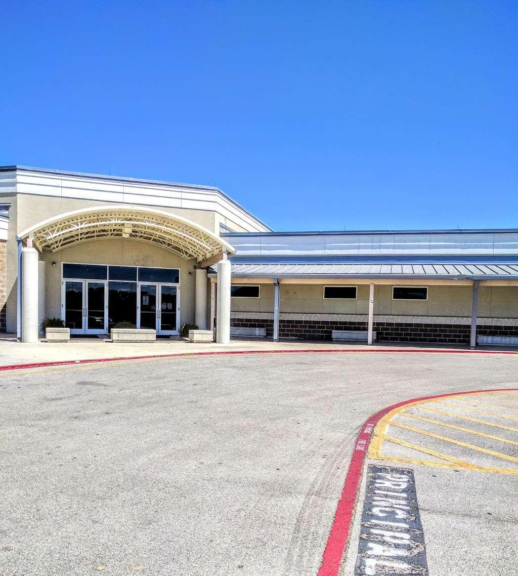 Frank Tejeda Middle School - school  | Photo 5 of 10 | Address: 2909 Evans Rd, San Antonio, TX 78259, USA | Phone: (210) 356-5600