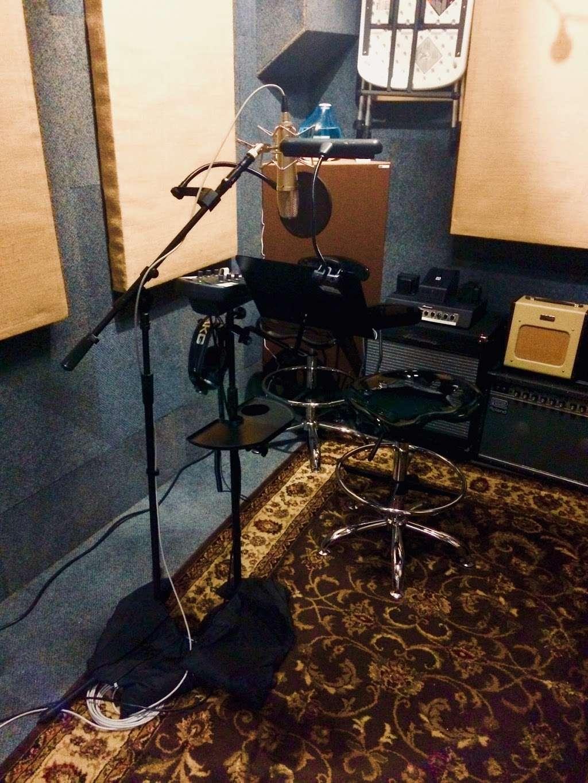 Vitruvian Sound NYC - electronics store  | Photo 10 of 10 | Address: 2 St Nicholas Ave #5, Brooklyn, NY 11237, USA | Phone: (929) 324-0845