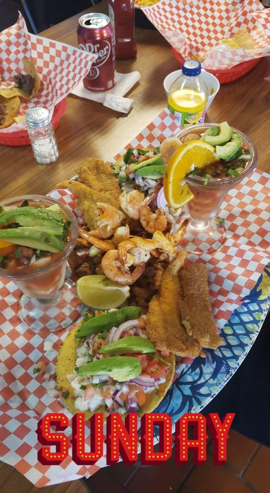 El Guero seafood mariscos comida mexicana - restaurant  | Photo 3 of 9 | Address: 10230 Harry Hines Blvd, Dallas, TX 75220, USA | Phone: (214) 357-2213