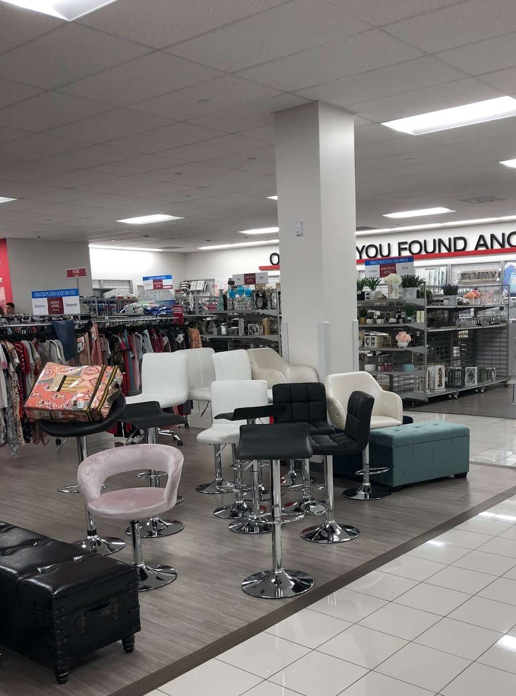 Burlington - clothing store  | Photo 7 of 10 | Address: 1925 Turnbull Ave, The Bronx, NY 10473, USA | Phone: (718) 518-3190