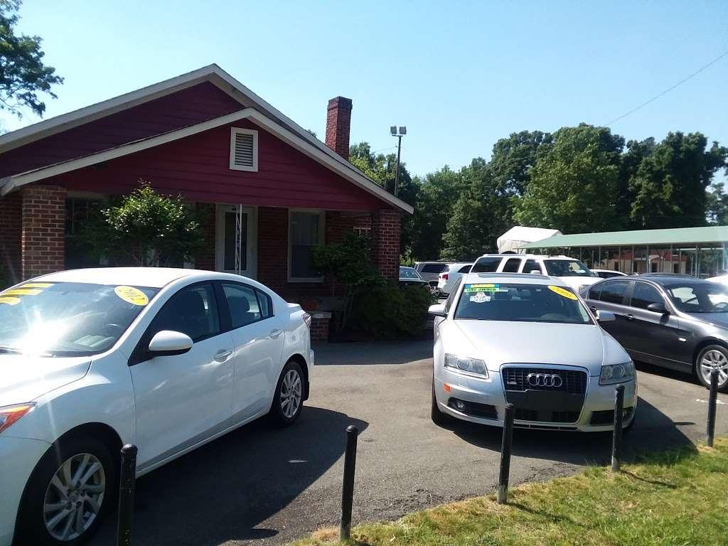 Elite Automotive Inc - car dealer  | Photo 4 of 10 | Address: 7709 Old Statesville Rd, Charlotte, NC 28269, USA | Phone: (704) 778-3735