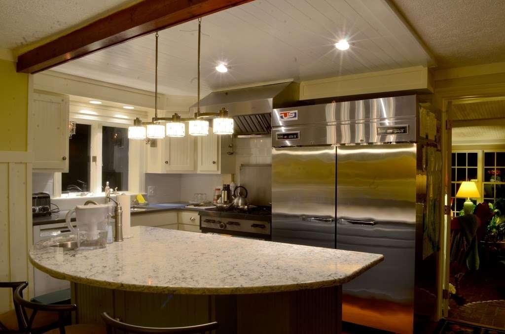 Back Creek Inn - lodging  | Photo 4 of 10 | Address: 210 Alexander St, Solomons, MD 20688, USA | Phone: (410) 326-2022