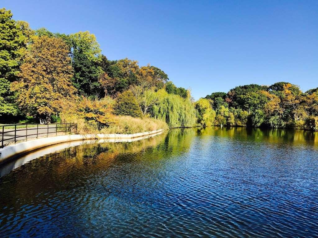 Kissena Corridor Park - park    Photo 6 of 10   Address: 47-67 Colden St, Flushing, NY 11355, USA   Phone: (212) 639-9675