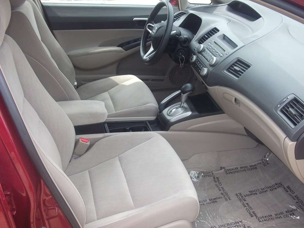 R C Auto Sales - car dealer    Photo 6 of 10   Address: 1701 S Tibbs Ave, Indianapolis, IN 46241, USA   Phone: (317) 247-0170