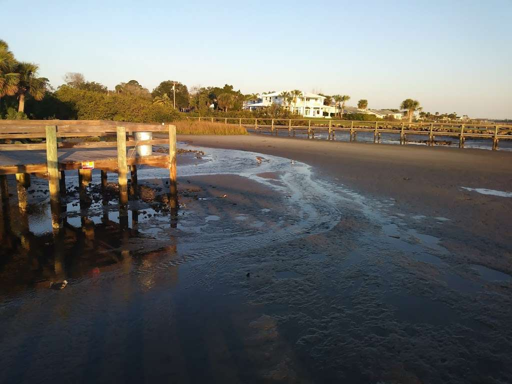 Veterans Memorial Park Edgewater Florida - park  | Photo 5 of 10 | Address: 1851-1899 S Riverside Dr, Edgewater, FL 32141, USA