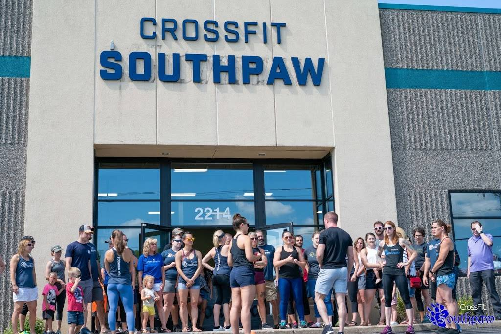 CrossFit Southpaw - gym    Photo 5 of 9   Address: 2214 County Hwy 10, Mounds View, MN 55112, USA   Phone: (651) 338-0067