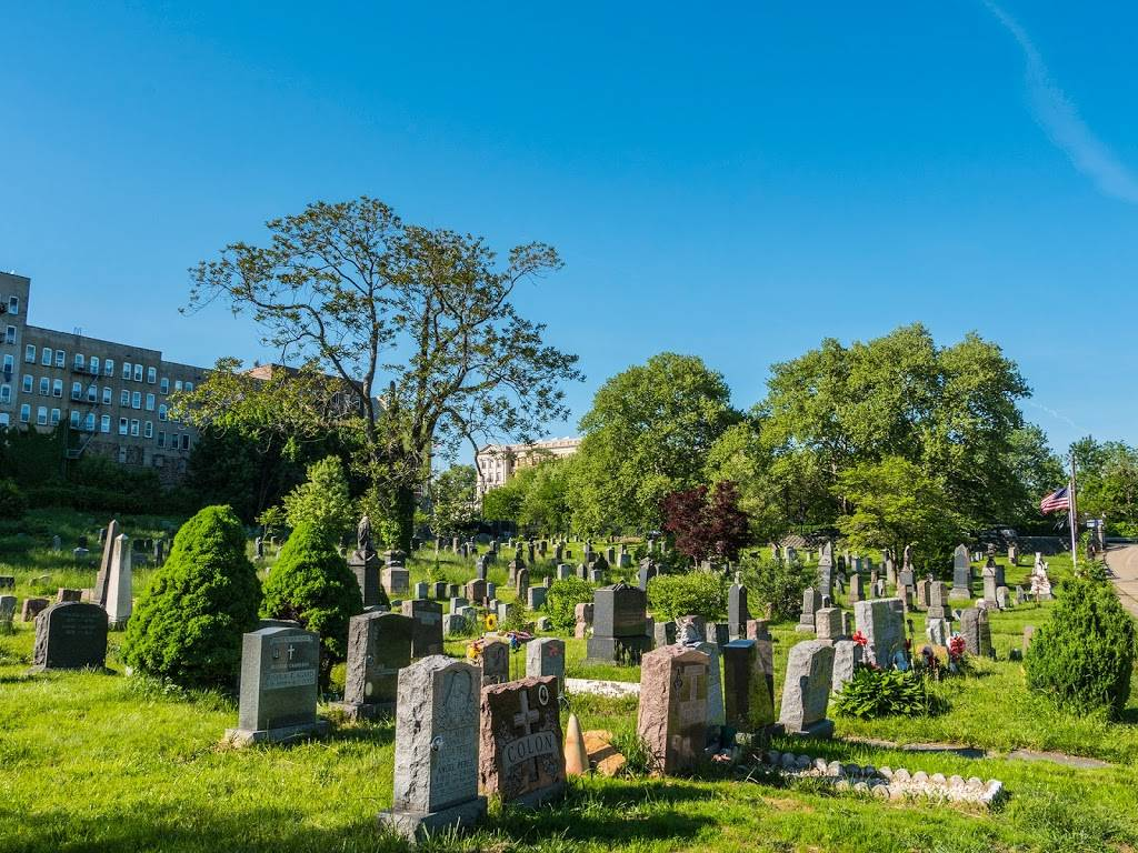 Historic Jersey City and Harsimus Cemetery - cemetery  | Photo 1 of 9 | Address: 435 Newark Ave, Jersey City, NJ 07302, USA | Phone: (201) 707-0738