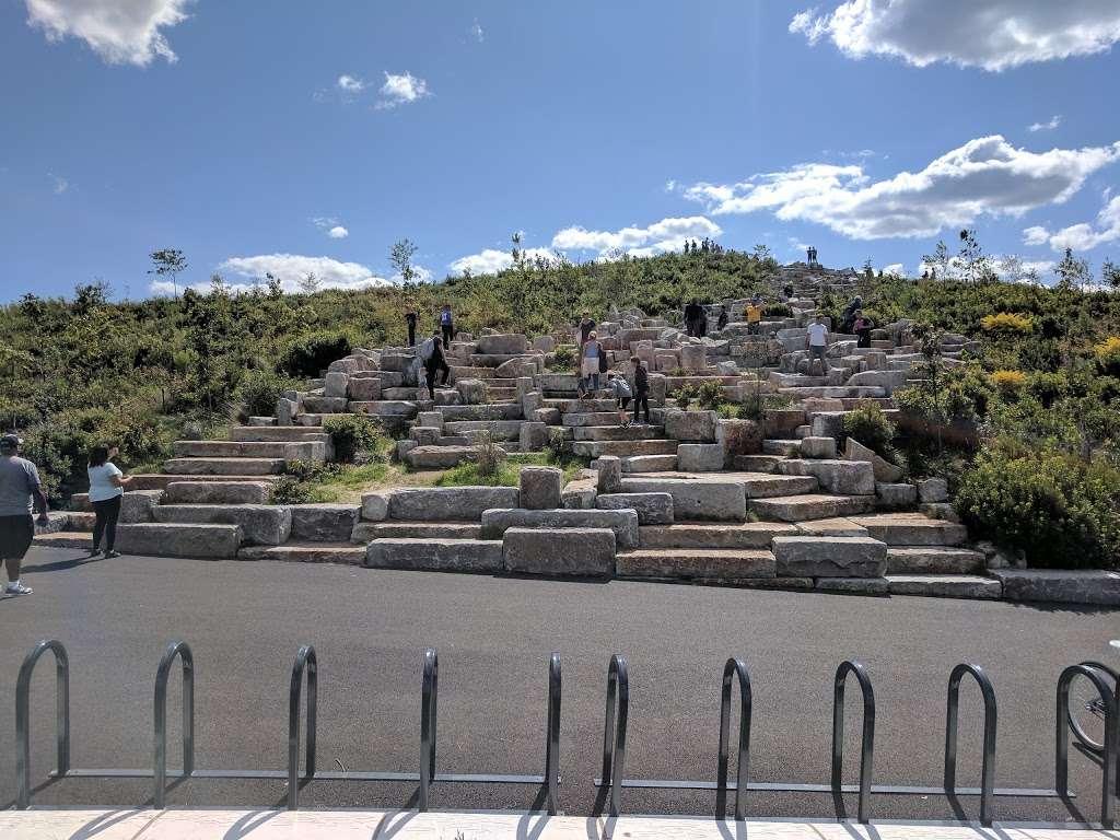 The Hills - park  | Photo 8 of 10 | Address: 870-898 Gresham Rd, New York, NY 10004, USA