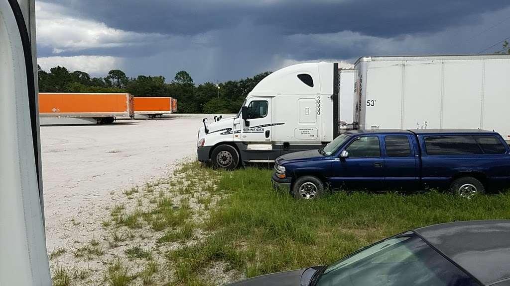 Schneider Trucking Inc. - moving company  | Photo 1 of 3 | Address: 620 Thorpe Rd, Orlando, FL 32824, USA | Phone: (800) 558-6767