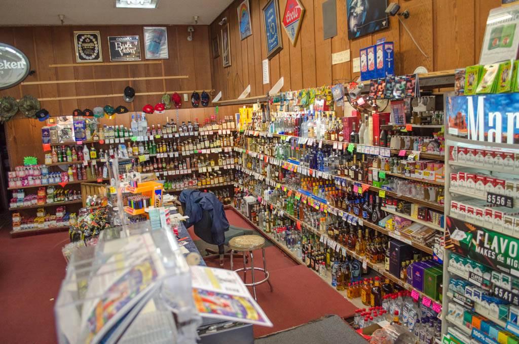 In & Out Discount Liquor - convenience store  | Photo 2 of 5 | Address: 36800 Cedar Blvd, Newark, CA 94560, USA | Phone: (510) 792-2210