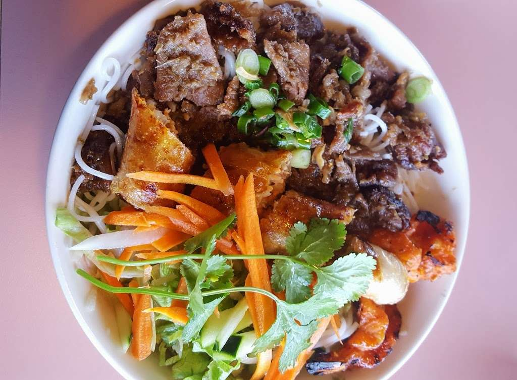 Pho 777 - restaurant  | Photo 2 of 10 | Address: 562 S Chambers Rd, Aurora, CO 80017, USA | Phone: (303) 369-2220