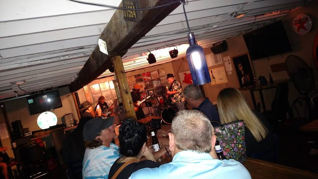 The Cottage Lounge - restaurant  | Photo 5 of 10 | Address: 3006 W Northwest Hwy, Dallas, TX 75220, USA | Phone: (469) 729-9626