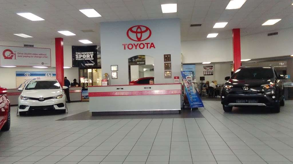 Palm Beach Toyota - car dealer  | Photo 3 of 10 | Address: 200 S Congress Ave, West Palm Beach, FL 33406, USA | Phone: (561) 701-9306