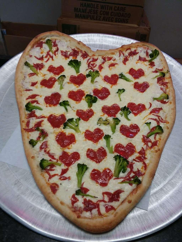 Hometown Deli & Pizzeria - restaurant  | Photo 2 of 10 | Address: 812 NY-52, Fishkill, NY 12524, USA | Phone: (845) 896-9730