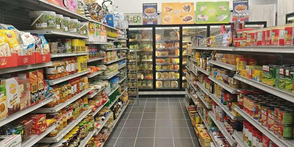 EZ PICK - shopping mall  | Photo 4 of 5 | Address: 480 Bear Christiana Rd, Bear, DE 19701, USA | Phone: (302) 328-0700