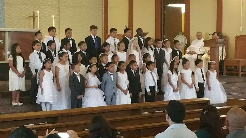 St. Catherine Laboure Church - church  | Photo 8 of 10 | Address: 3846 Redondo Beach Blvd, Torrance, CA 90504, USA | Phone: (310) 323-8900