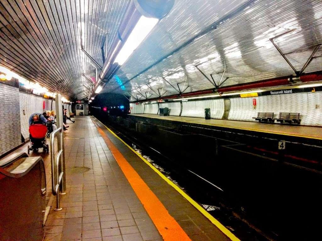 Roosevelt Island Subway Station - subway station  | Photo 6 of 10 | Address: New York, NY 10044, USA
