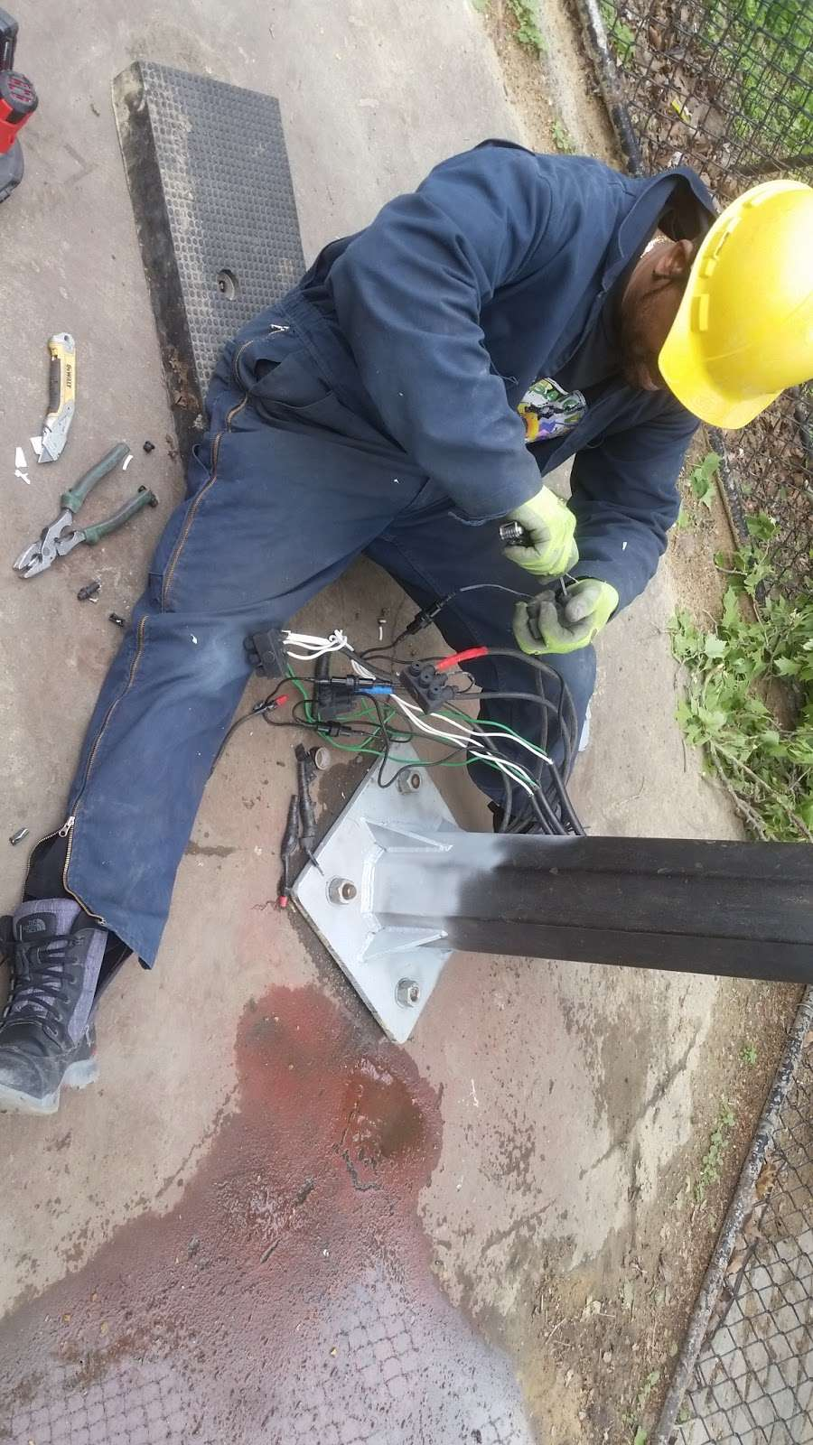 Prospect Electric Service Inc - electrician  | Photo 1 of 3 | Address: 185 Malta St, Brooklyn, NY 11207, USA | Phone: (718) 857-2830
