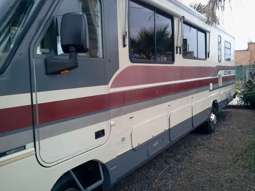Tommys Custom Coach Works - car repair    Photo 4 of 10   Address: 3048 Moore St, San Diego, CA 92110, USA   Phone: (619) 497-1007