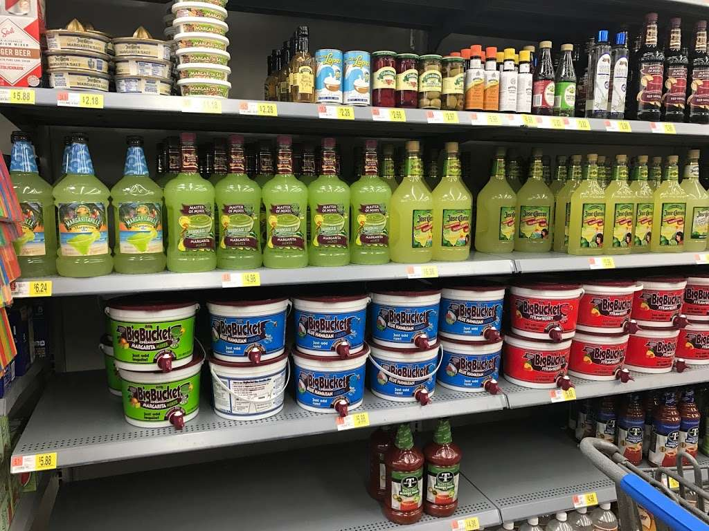 Walmart Distribution Center - storage  | Photo 6 of 10 | Address: 5100 North Ridge Trail, Davenport, FL 33897, USA | Phone: (863) 256-1842