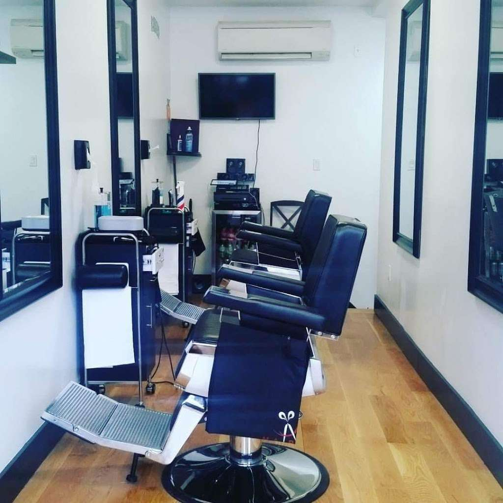 Gentlemens Barbershop - hair care  | Photo 2 of 10 | Address: 205 Johnson Ave, Brooklyn, NY 11206, USA | Phone: (917) 415-3266