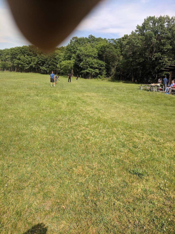 Wampum Lake Woods - park  | Photo 8 of 10 | Address: 598 Thornton Lansing Rd, Thornton, IL 60476, USA | Phone: 0000000000