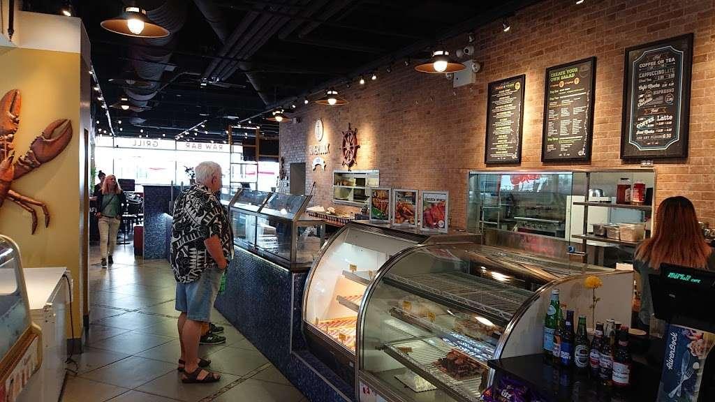 River Dock Cafe - restaurant  | Photo 5 of 10 | Address: 1 Richmond Terrace, Staten Island, NY 10301, USA | Phone: (347) 354-3598