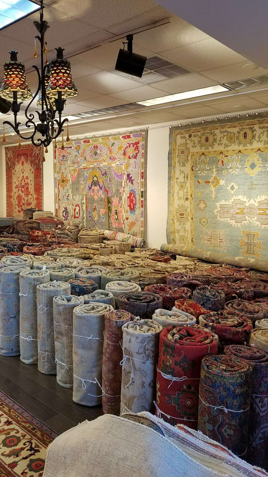 Persian Rugs & Antiques - Laundry | 102