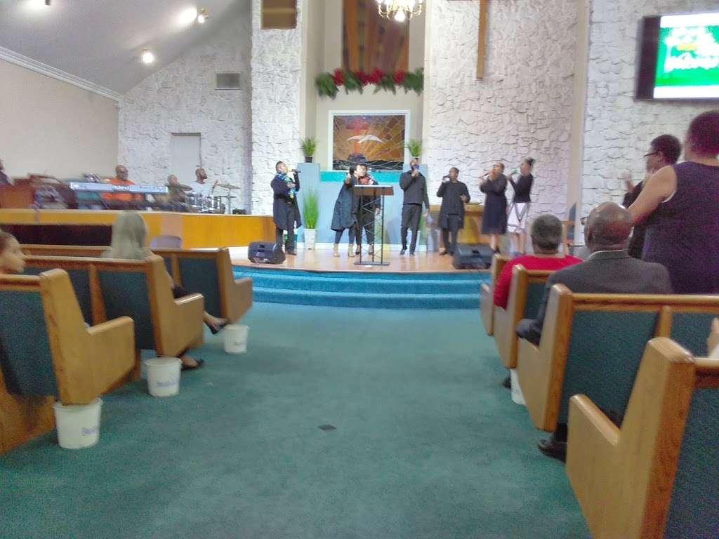 Philadelphian SDA Church children service - church    Photo 1 of 8   Address: 2640 Santa Fe Ave, Long Beach, CA 90810, USA   Phone: (562) 426-8026
