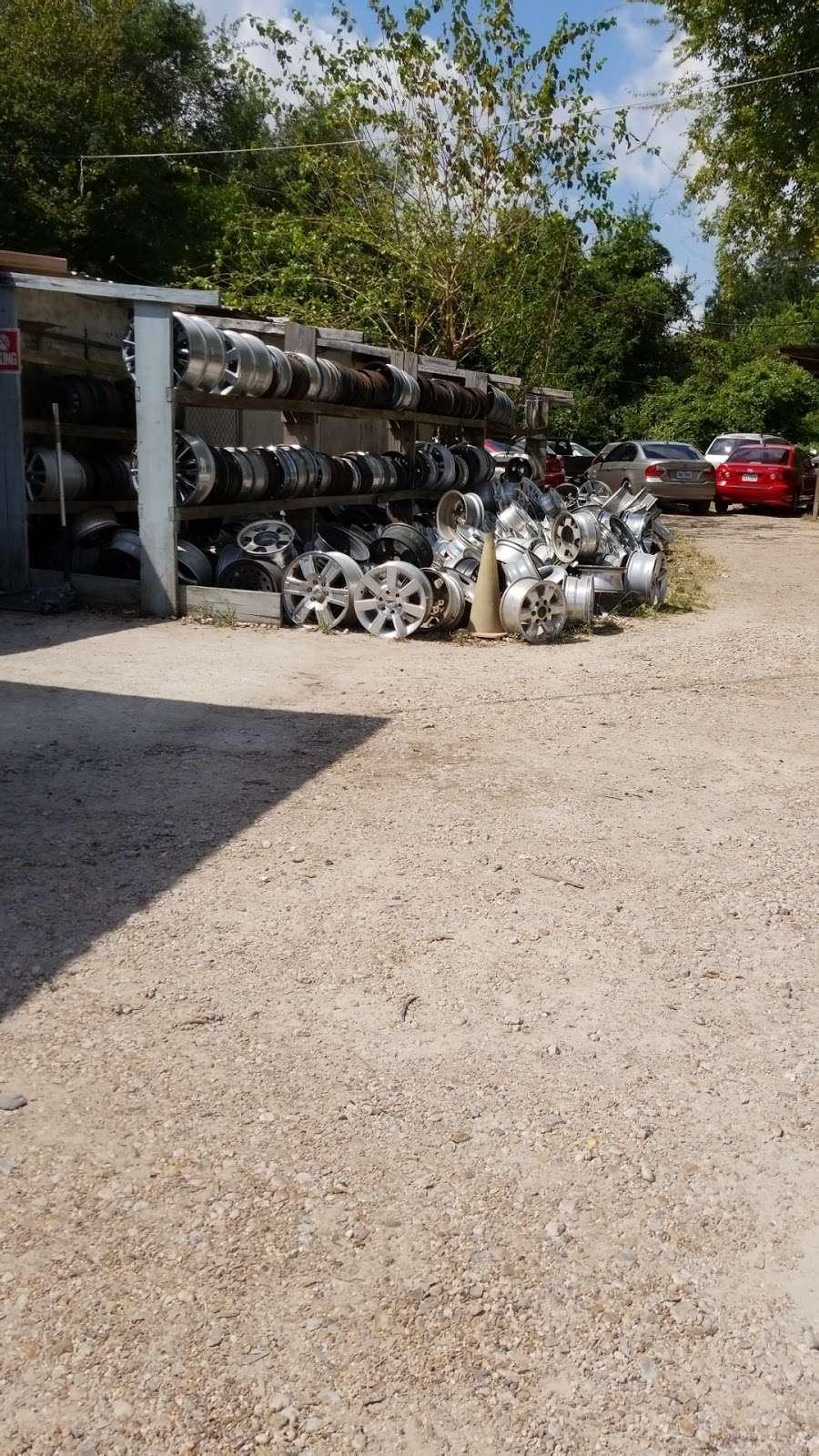Arias Tire Shop & Auto Sales - car repair  | Photo 5 of 6 | Address: 10601 Airline Dr, Houston, TX 77037, USA | Phone: (832) 564-5554