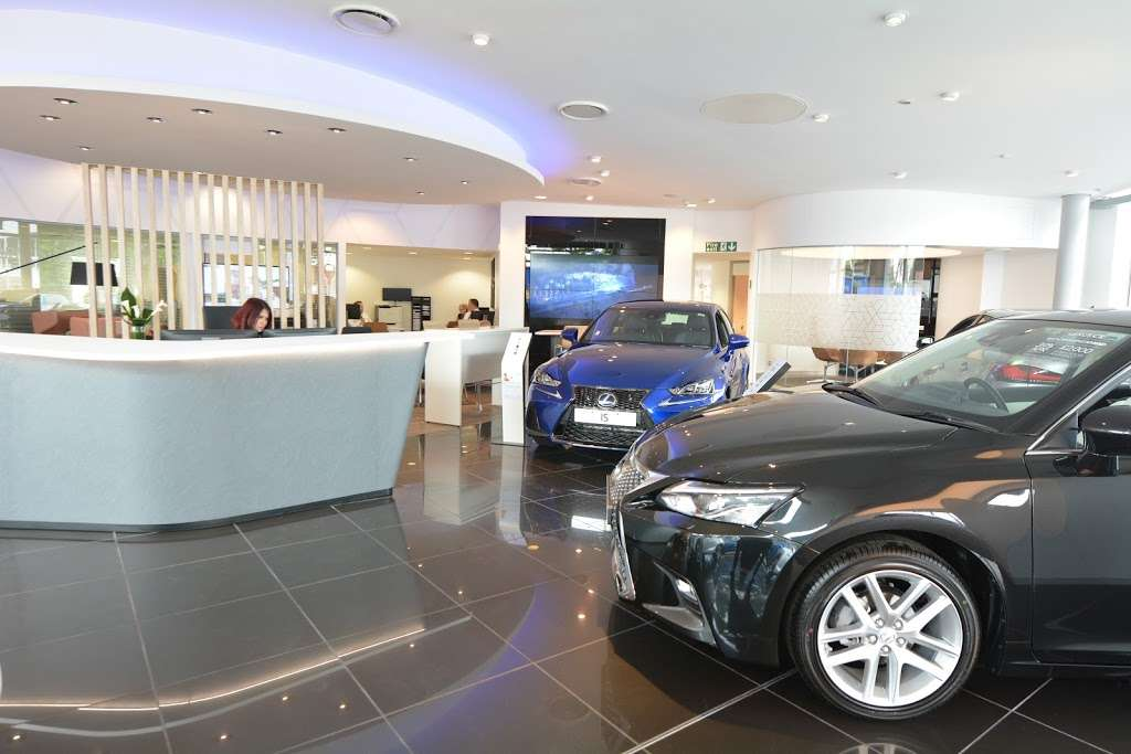 Lexus Croydon - car dealer  | Photo 2 of 10 | Address: 604 Purley Way, Croydon CR0 4RF, UK | Phone: 020 3733 8139