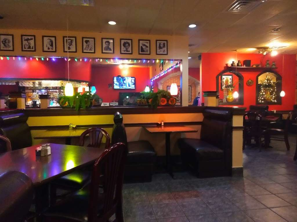 El Charro Restaurant & Cantina - restaurant    Photo 5 of 10   Address: 11163 Huffmeister Rd, Houston, TX 77065, USA   Phone: (281) 897-8100