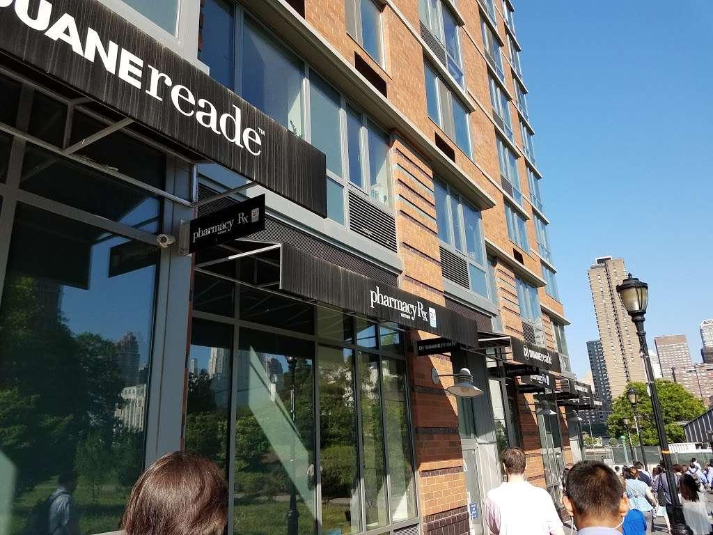 Duane Reade - convenience store    Photo 5 of 10   Address: 425 Main St, New York, NY 10044, USA   Phone: (646) 521-2260