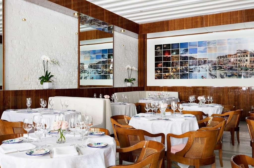 Bellini - restaurant  | Photo 2 of 10 | Address: 33 Peck Slip, New York, NY 10038, USA | Phone: (929) 263-0413