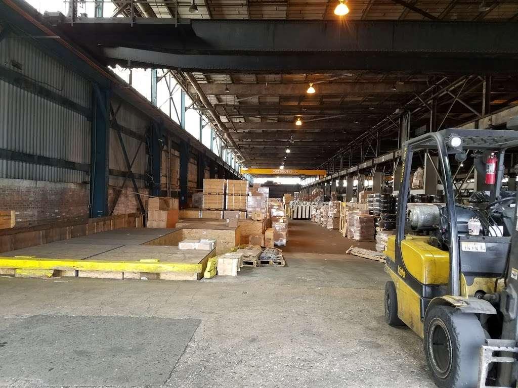 Harbor Freight Transport Corporation - moving company  | Photo 1 of 10 | Address: 301 Craneway St, Newark, NJ 07114, USA | Phone: (973) 589-6700