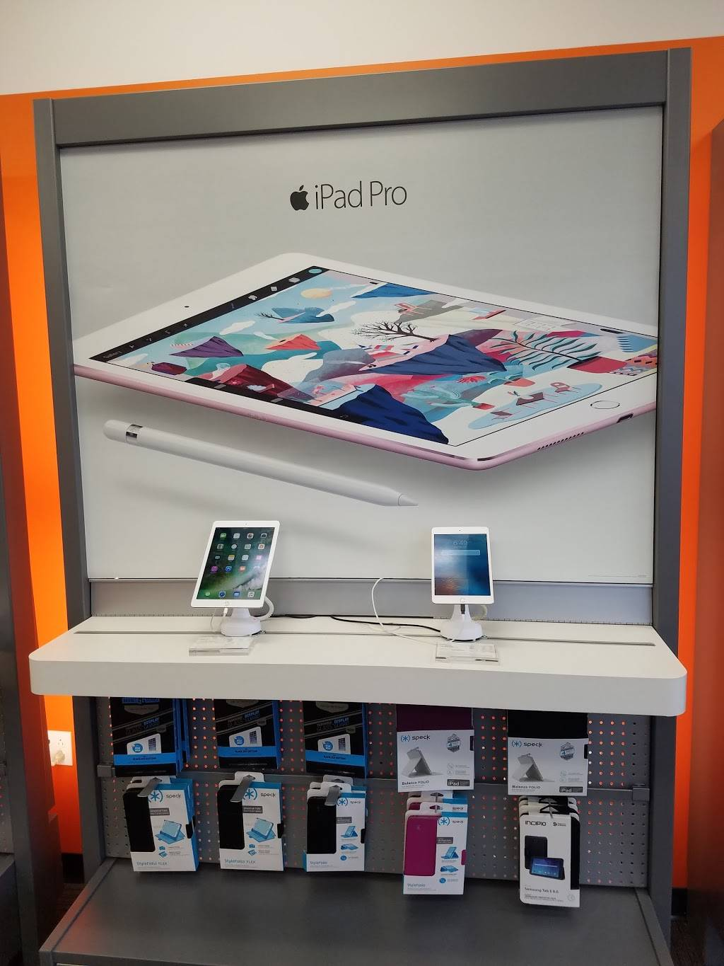 AT&T Store - electronics store  | Photo 6 of 10 | Address: 2800 Harbor Blvd Suite C, Costa Mesa, CA 92626, USA | Phone: (714) 432-0900