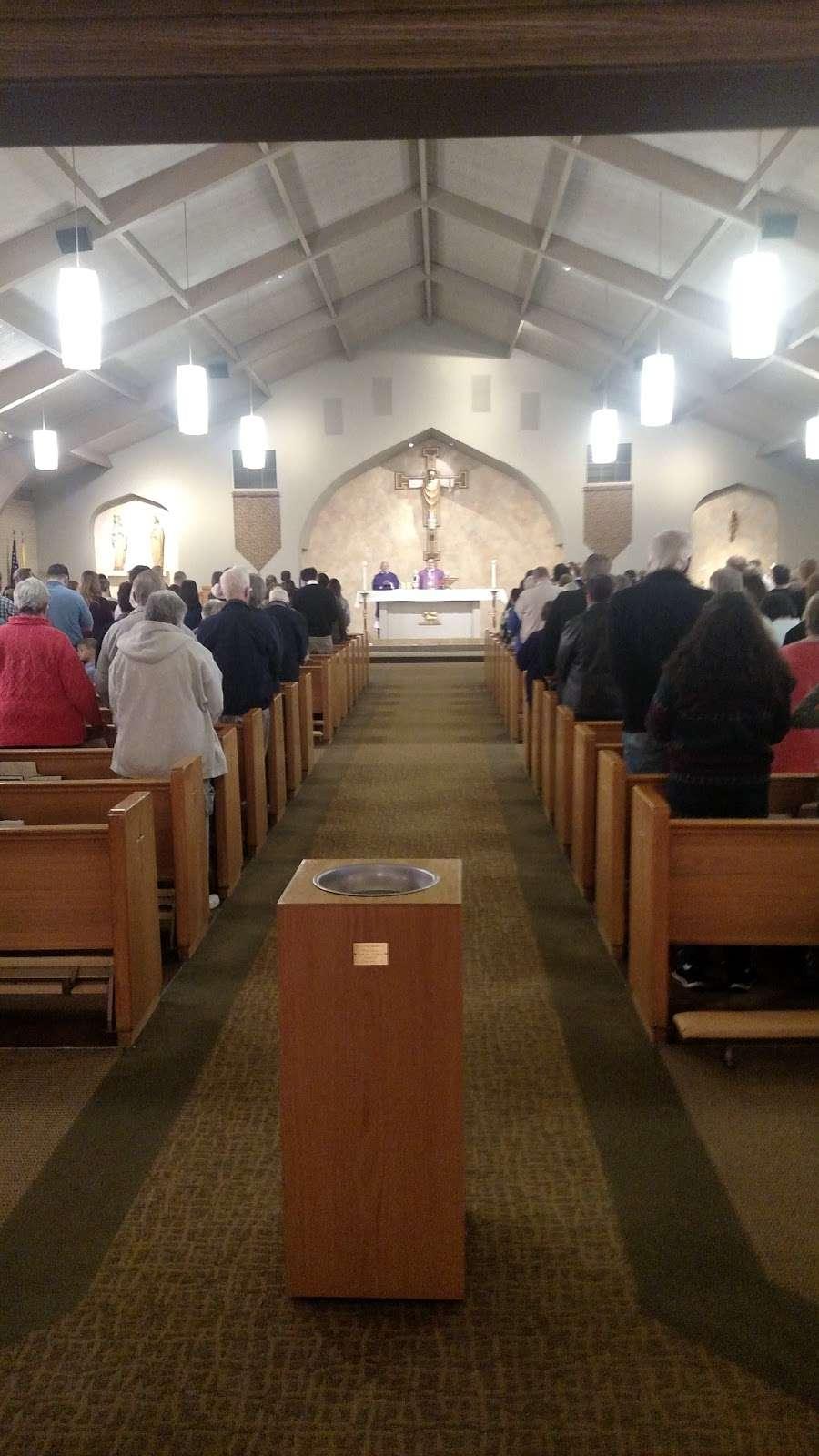 Holy Name Catholic Church - church  | Photo 7 of 10 | Address: 3290 W Milan Ave, Sheridan, CO 80110, USA | Phone: (303) 781-6093