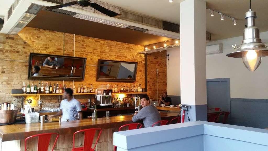 Peaches Shrimp & Crab - restaurant  | Photo 5 of 10 | Address: 285 Grand Ave, Brooklyn, NY 11238, USA | Phone: (718) 638-9500
