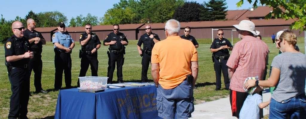 Woodridge Police Department - local government office  | Photo 4 of 6 | Address: 1 Plaza Dr # 1, Woodridge, IL 60517, USA | Phone: (630) 719-4740