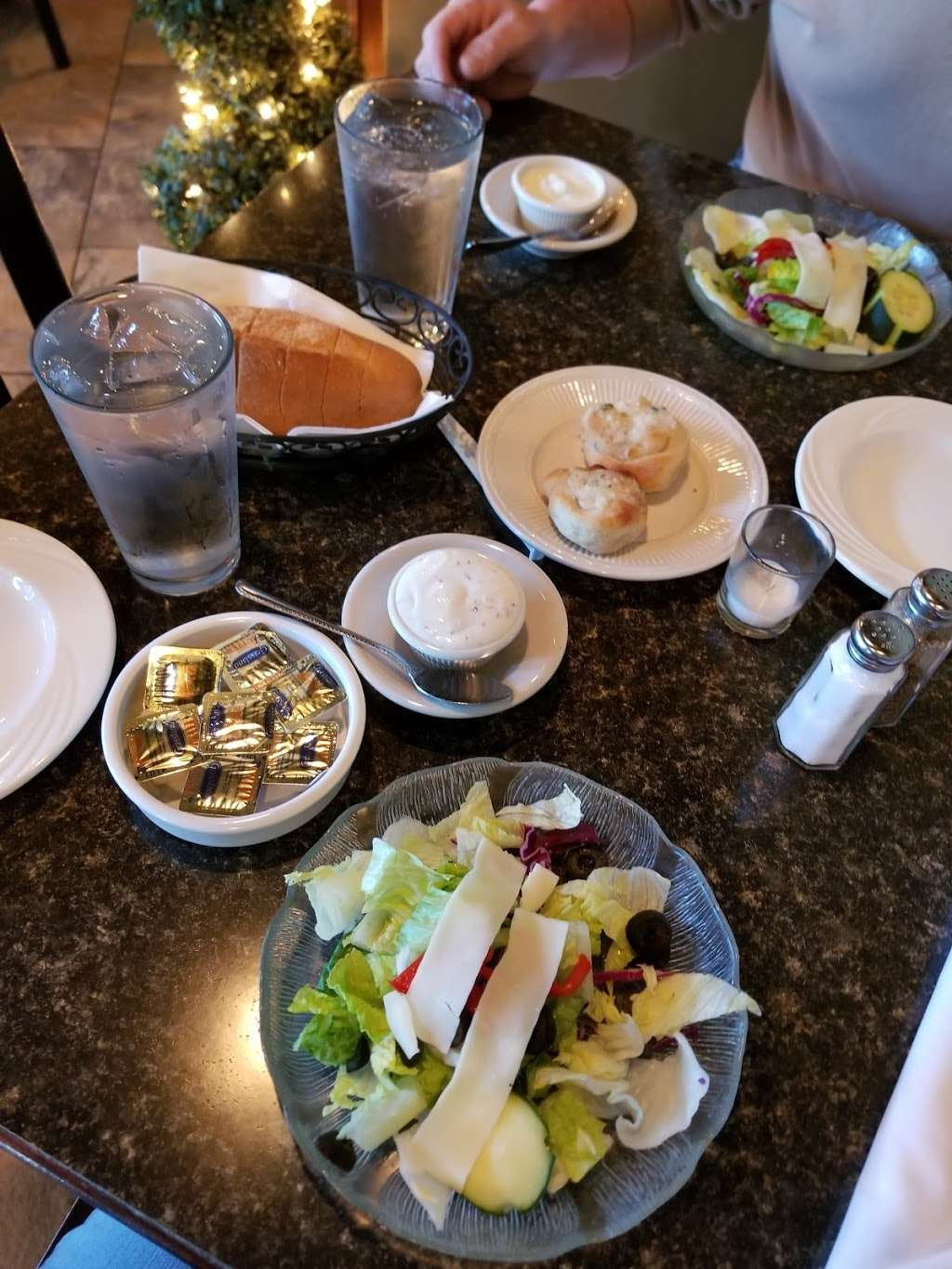 Luca Trattoria ~ Pizzeria - restaurant  | Photo 3 of 10 | Address: 20 W Oakland Ave, Oakland, NJ 07436, USA | Phone: (201) 337-3100