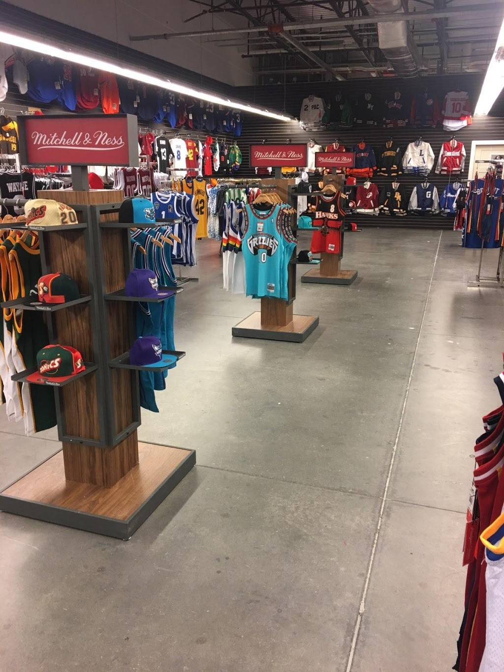 All-Star Sports - clothing store  | Photo 8 of 10 | Address: 300 Monticello Ave #194, Norfolk, VA 23510, USA | Phone: (833) 746-7277
